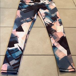 Lucy Leggings size Medium